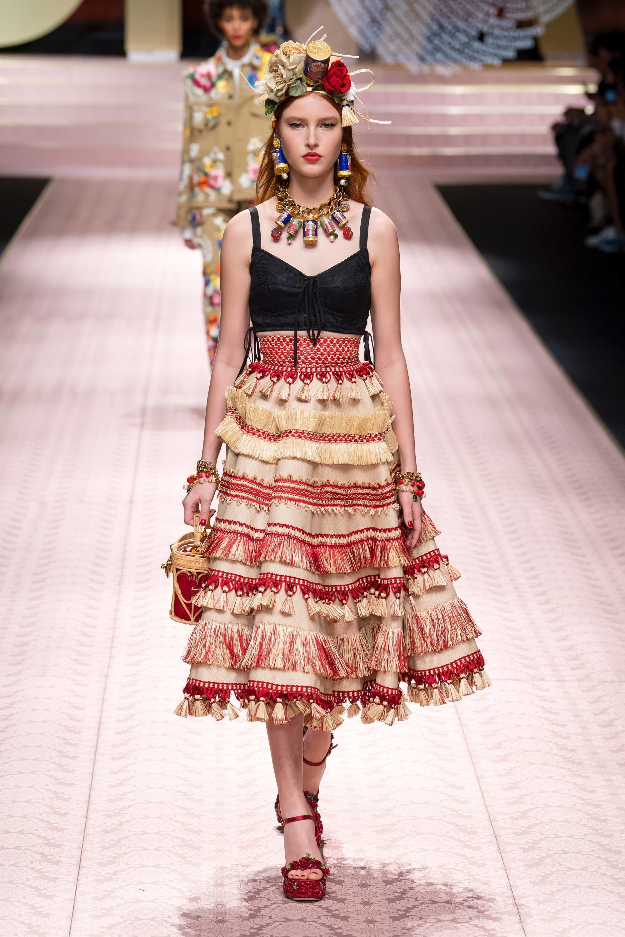 b59bcf92092d Dolce   Gabbana Spring 2019 Ready-to-Wear Collection - Vogue