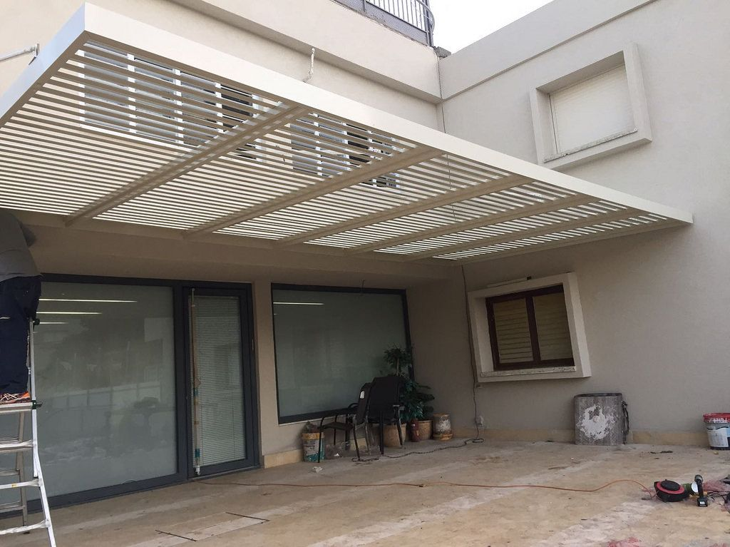 Explore The Wide Range Of Folding Arm Awnings Pivot Arm Awnings And Aluminium Awnings In Townsville Th Rooftop Terrace Design Aluminum Awnings Terrace Design