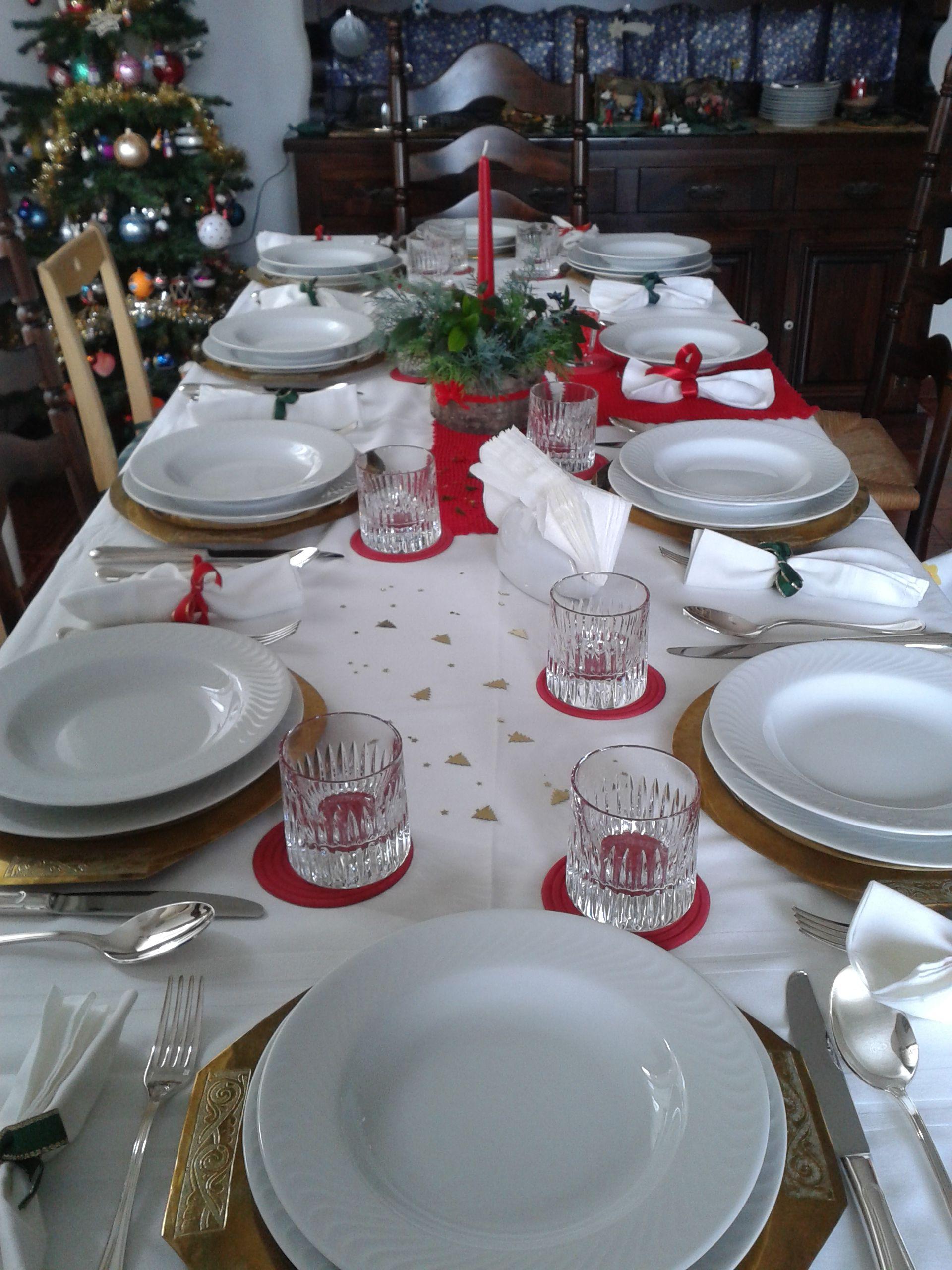 Arredare Tavola Natale tavola di natale: tovaglia bianca di fiandra con striscia in