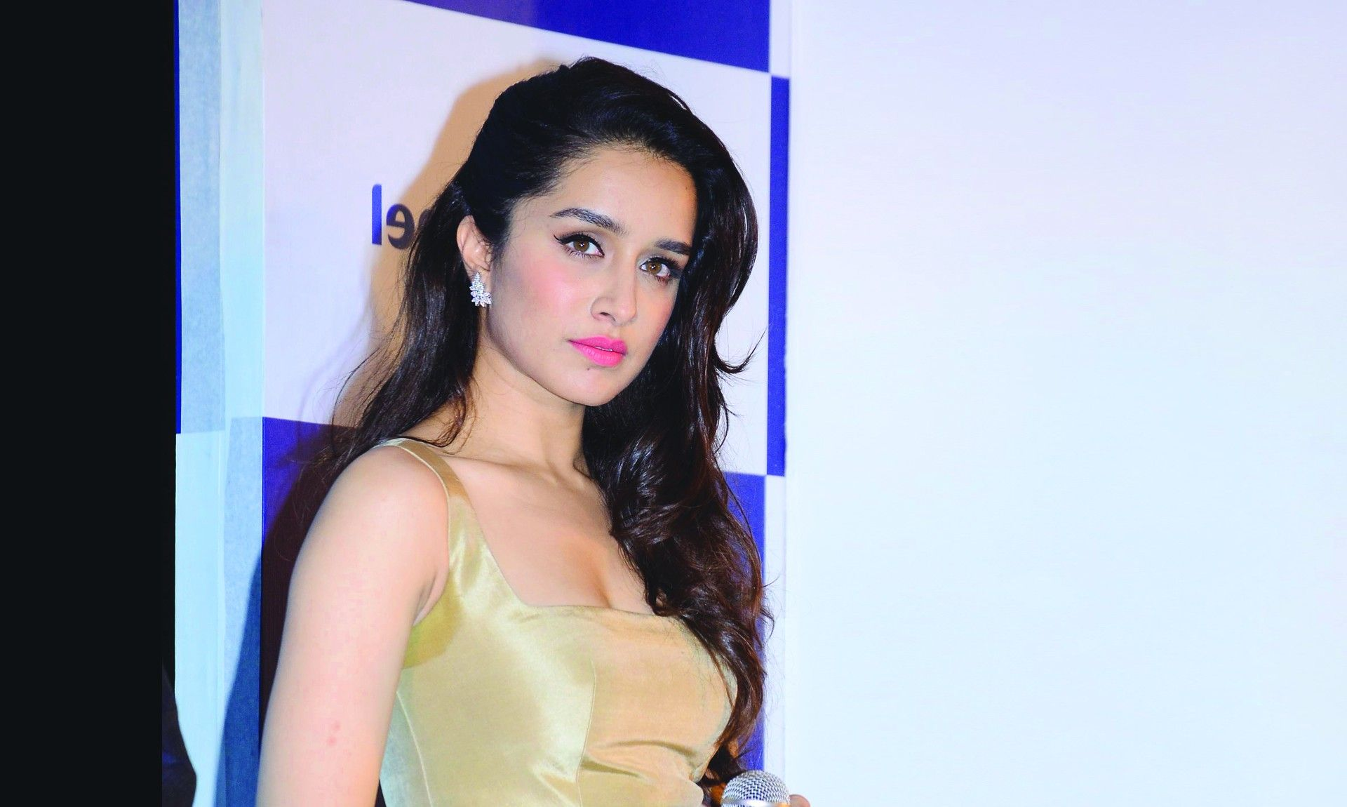 bollywood actress shraddha kapoor wallpapers hd wallpapers