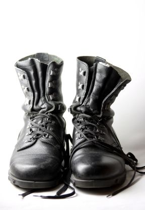 Fall's Hottest Fashion Trends black-combat-boots Girly grunge ...