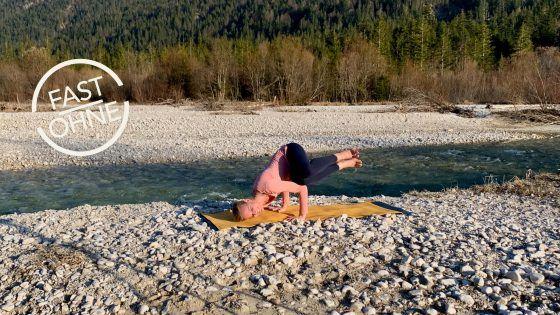 Yin Yoga 5 – Lebensenergie tanken, Speicher auffüllen! ॐ YOGAMOUR Yoga Videos
