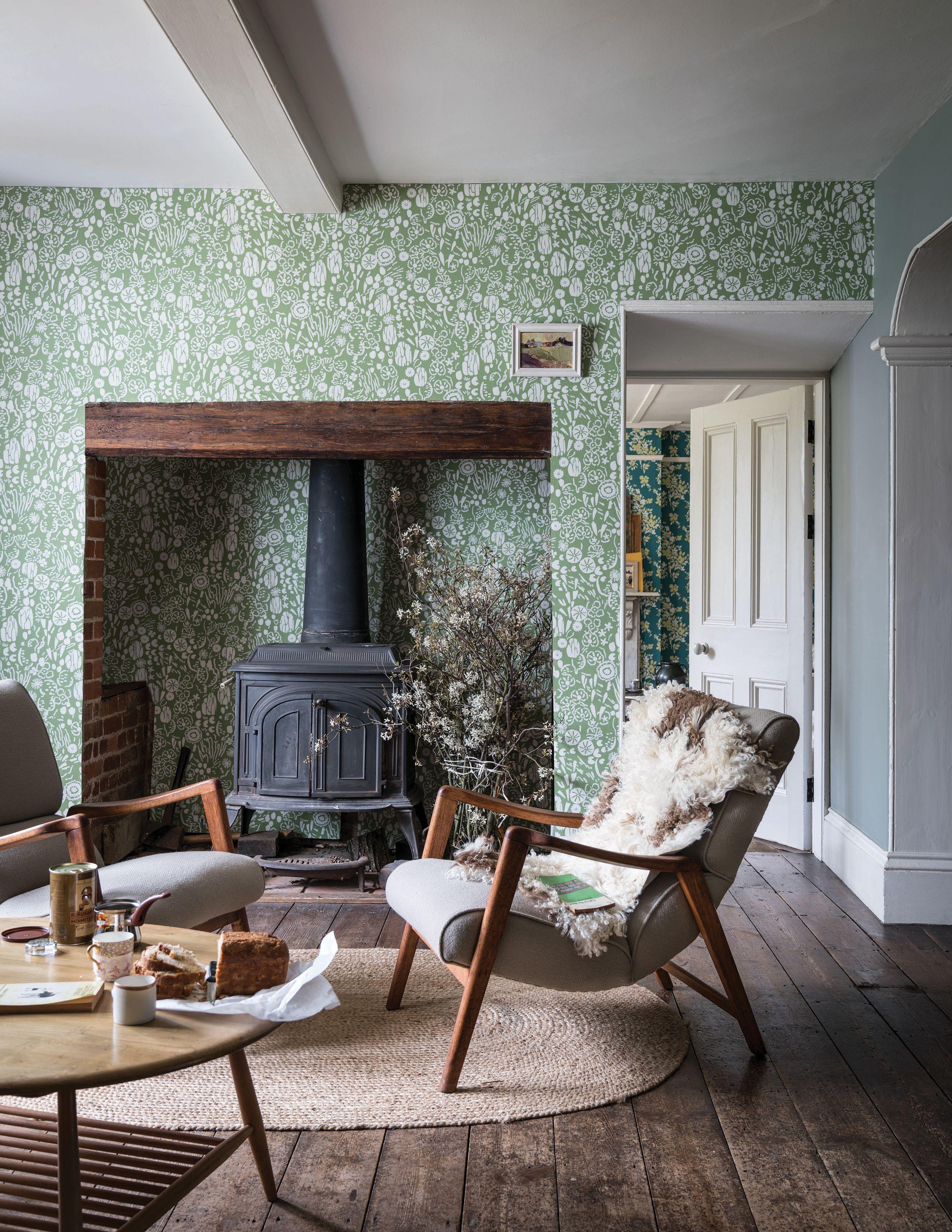 Botanical Wallpaper Ideas Wallpaper Living Room Traditi
