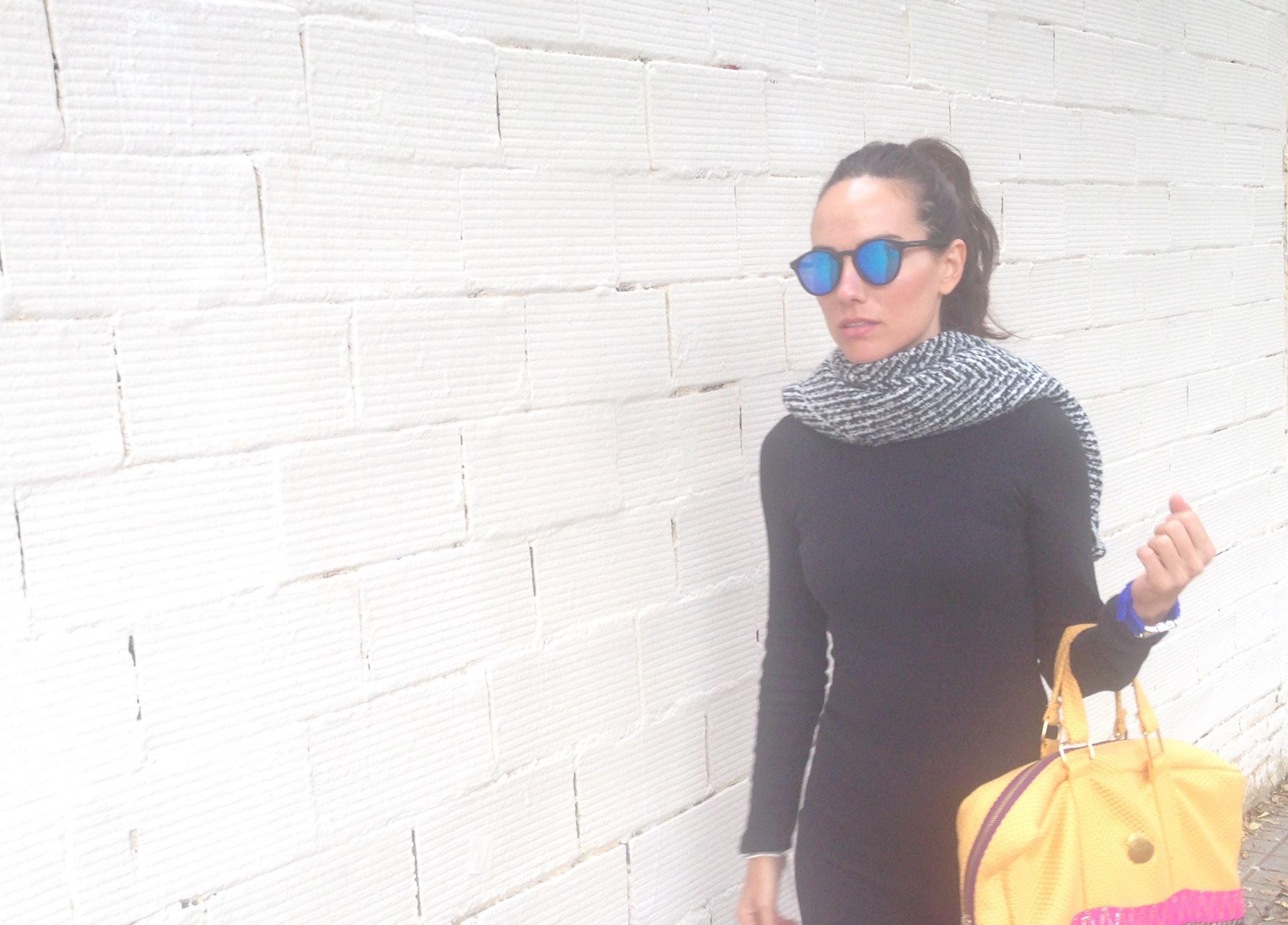Hardwork  BCN 💥💥💥 preparando colecciones 🕵🏻♀️🙊@carinavalentina #proyectoscarinavalentina #firmadebolsos #bandoleras #bolsodemano #bolsosdelujo #carterademano #clutch #bohochic #barrisalamanca #newcolletion #luxury #lujo #elegant #mujer #style #bolsosartesanos #artesania #diseñadoradebolsos #diseñadora #diseñadoravalenciana #modafemenina #tienda #ifema #carinavalentina