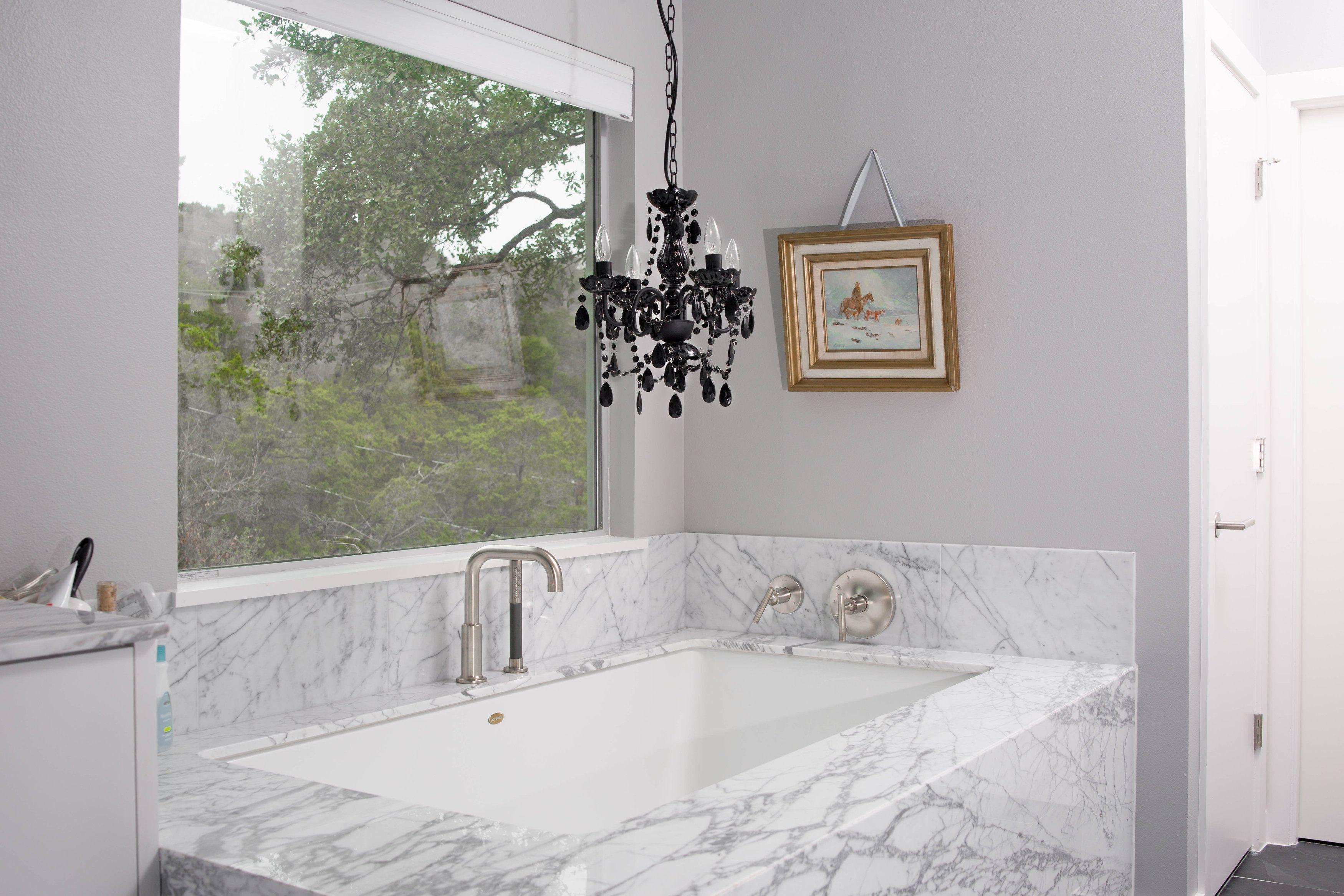 Bathtub Ambiance With A Small Black Gypsy Color Crystal