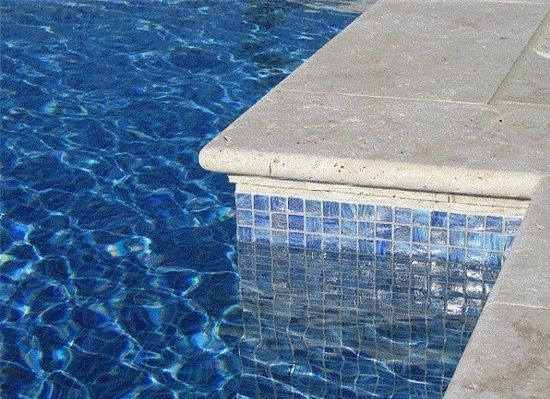 Tumbled Classic Travertine Turkish Pool Coping Ivory