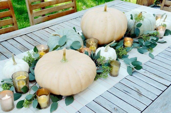 Tischdeko im Herbst: So gestalten Sie Ihre festliche Tafel #tischdekoherbstesstisch kuerbisse tischdeko herbst selbstgemacht esstisch dekorieren #tischdekoherbstesstisch