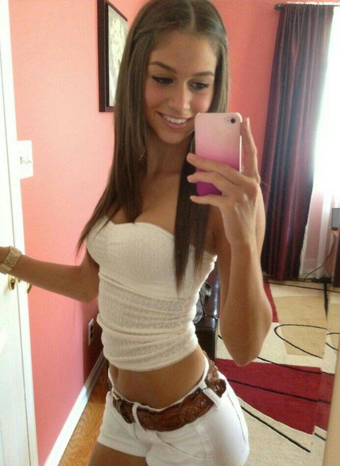 Amateur girls nude selfies