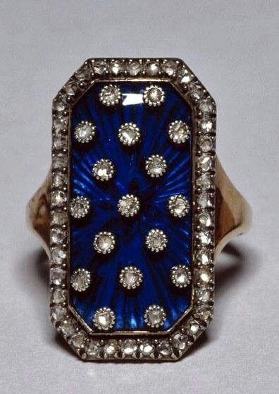 Gorgeous vintage ring