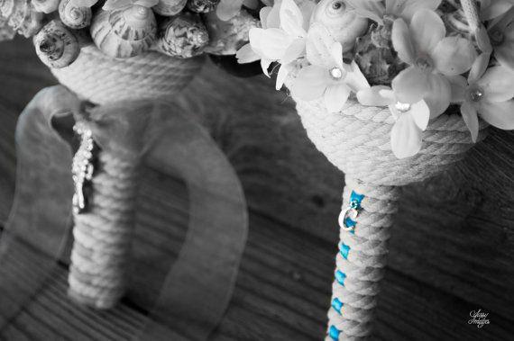 Sea Shell Bouquet e Boutonniere Bundle di OneCreativeBeach su Etsy