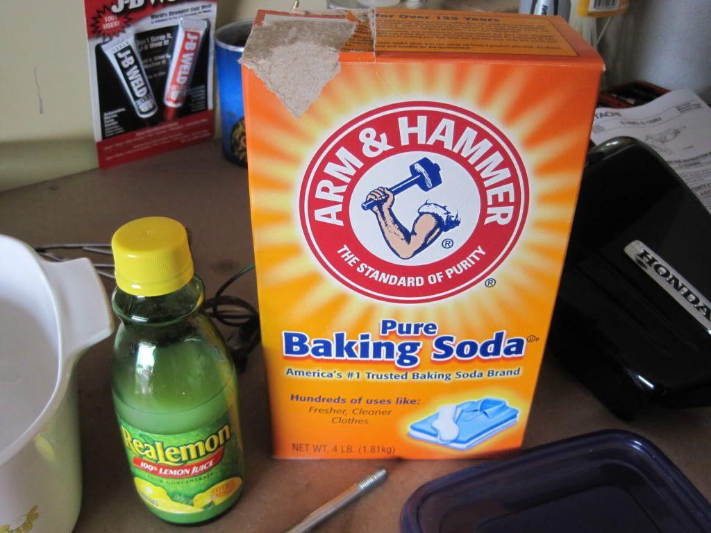 Baking soda and lemon juice whiten your teeth trying