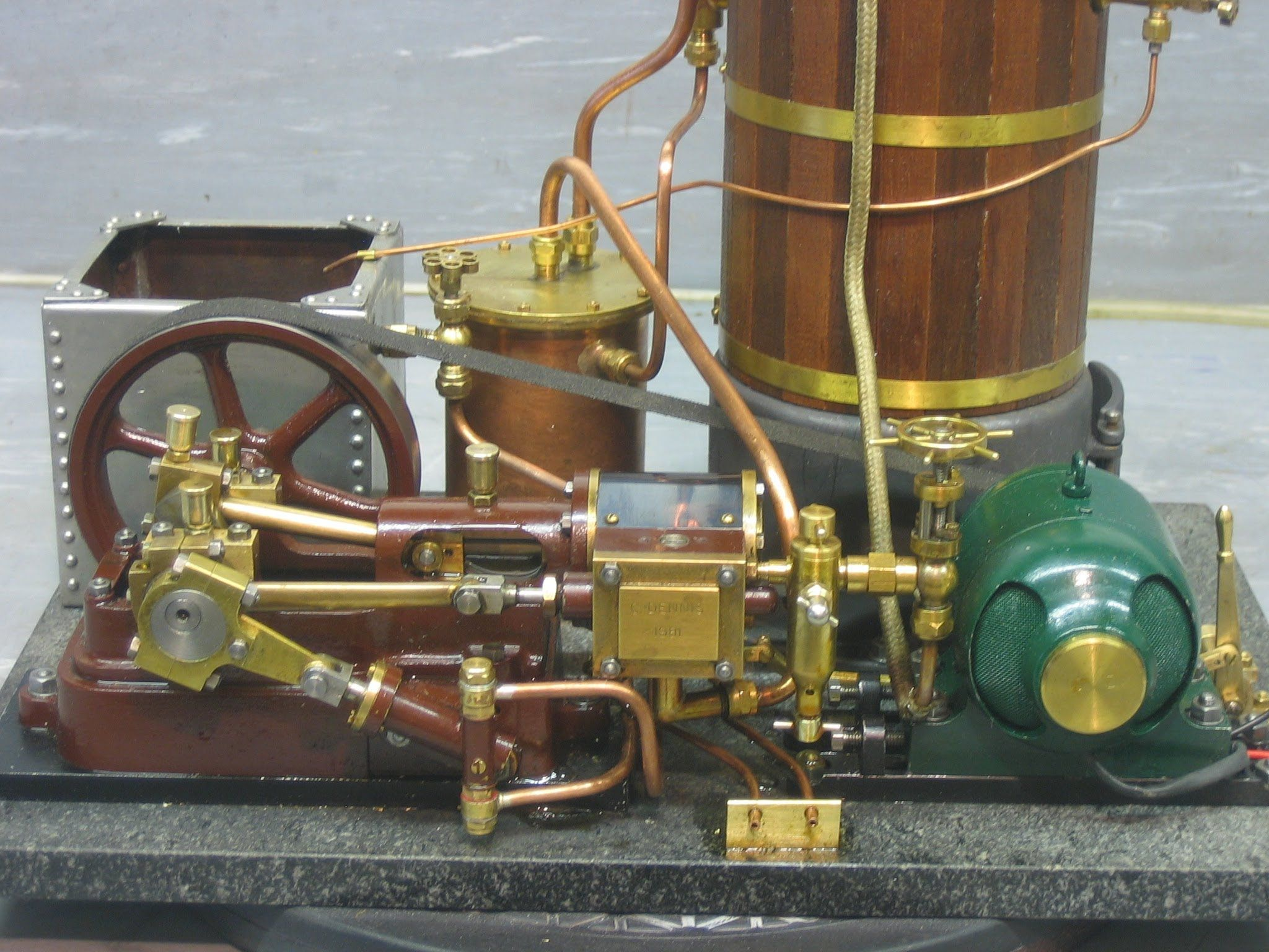 Model Steam Engine with Generator | Steam and models | Pinterest | Motor