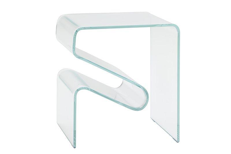News Table Von Ligne Roset Ist Ein Skulpturaler Beistelltisch Aus Gebogenem Glas In Hervorragender Verarbeitungsqualita Ligne Roset Beistelltisch Kleiner Tisch