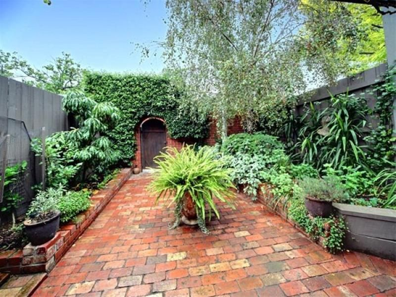 Garden ideas australian native garden rockery garden for Courtyard garden designs australia