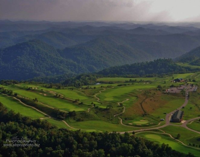 Stonecrest Golf Course In Prestonsburg Ky Sits On 700 Acres Of Mountain Top Land Built On A Reclaimed Strip Mine It Offers Golf Courses Appalachia Kentucky