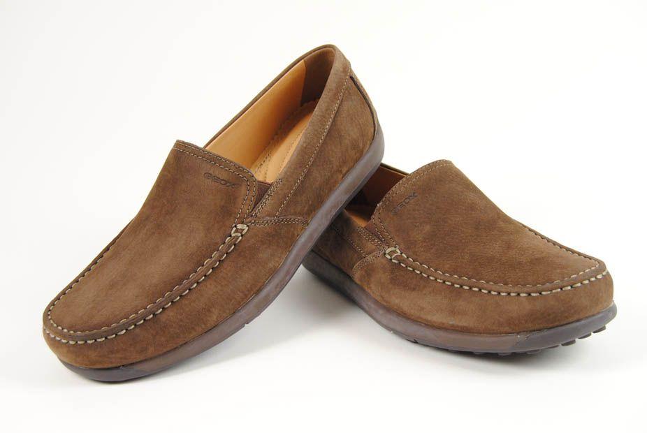 Zapato clásico para caballero de nobuck marrón de Geox