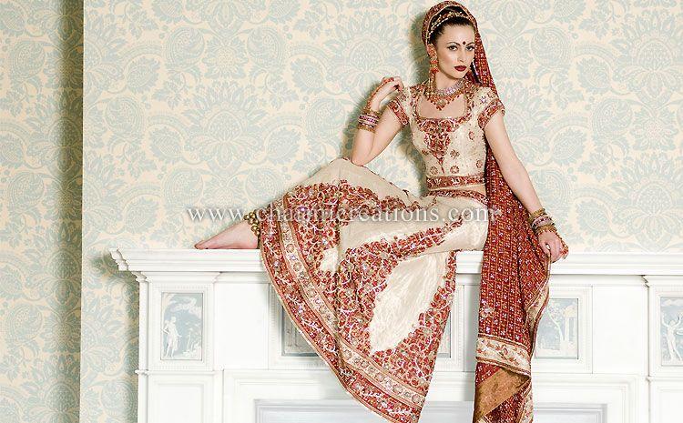 Panetar gharchola bandhini fusion wedding outfit #indianwedding ...