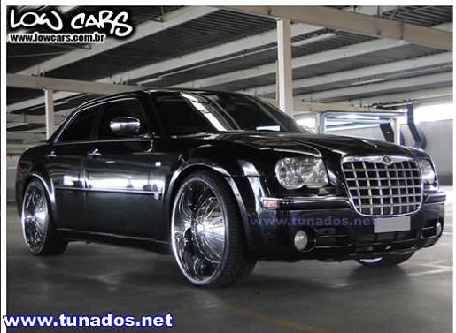 chrysler 300c | Chrysler 300C tunado, rebaixado e equipado com rodas aro 24 cromadas