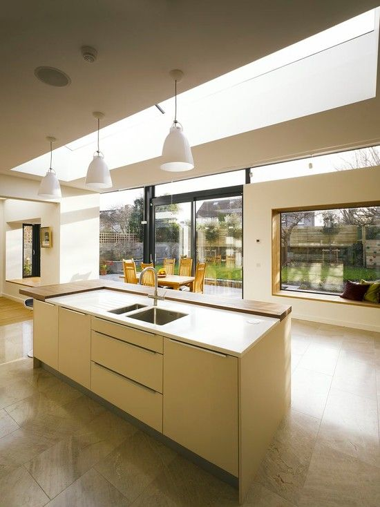 7 Stunning Home Extension Ideas: Home Remodel And Extension Project With Stunning Rear Side Design: Cozy Modern Kitch…