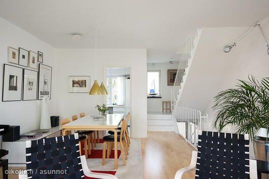 Finnish living room with Alvar Aalto's furniture / Alvar Aallon huonekaluilal sisustettu olohuone