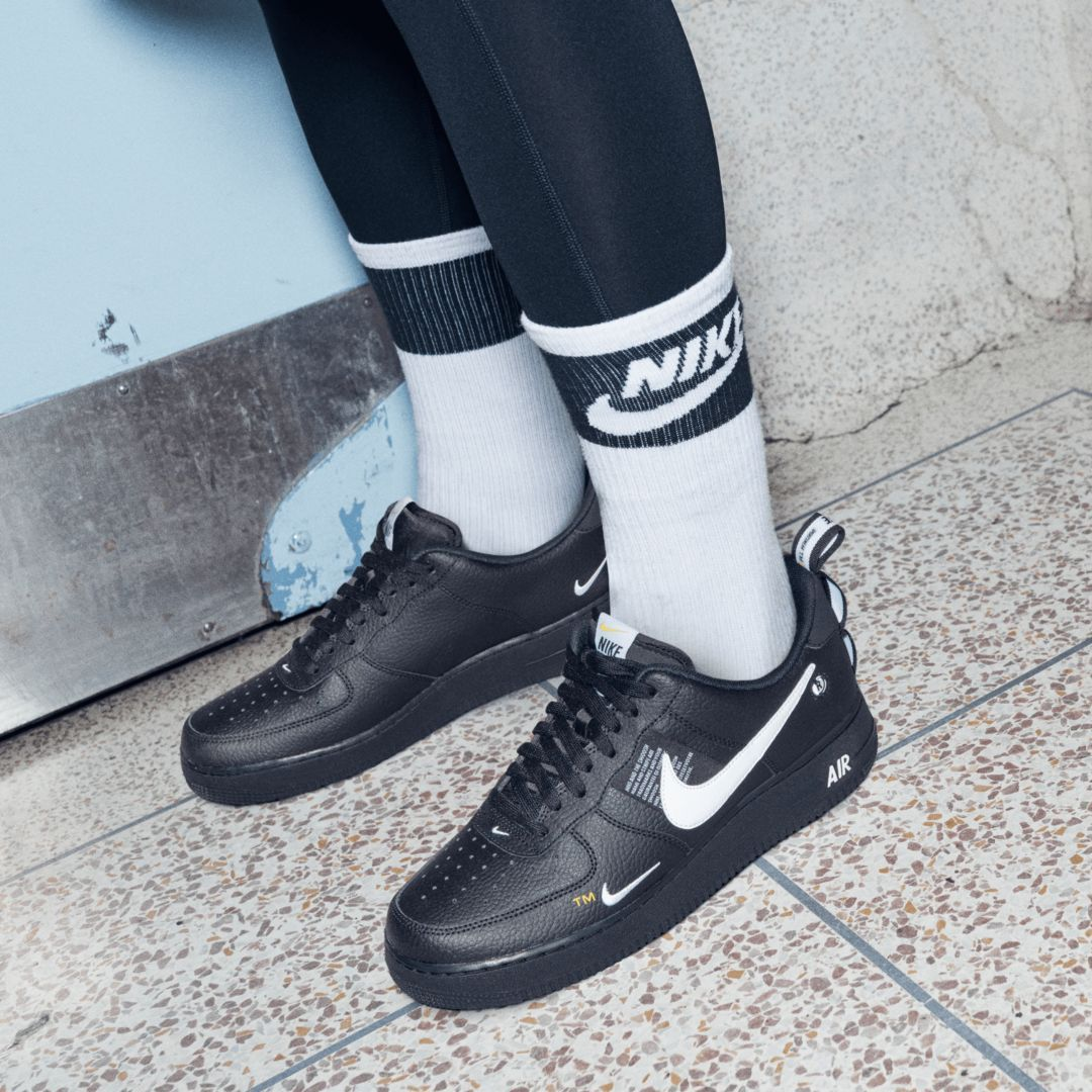 Nike Air Force 1 '07 LV8 Utility Men's Shoe Size 11.5 (Black