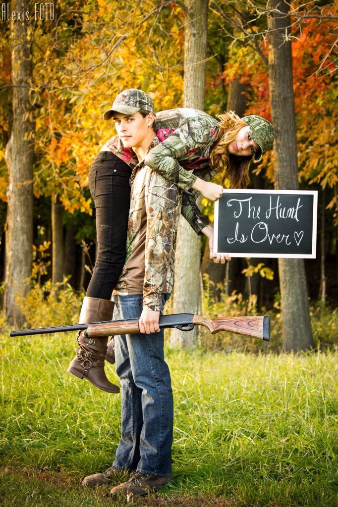 The Hunt Is Over Camo Engagement Picture Ideas By Alexisfoto Country Wedding Pictures Camo Engagement Pictures Engagement Humor
