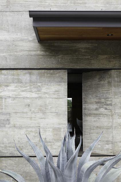 5 Modern Home Exteriors Tell A Texture Story Concrete Architecture Exterior Design Modern House Exterior