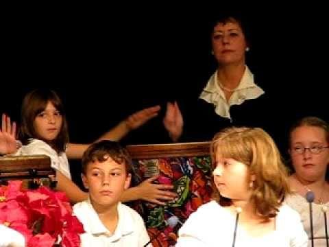 Orffia joulukonsertissa, laatat ja rummut.