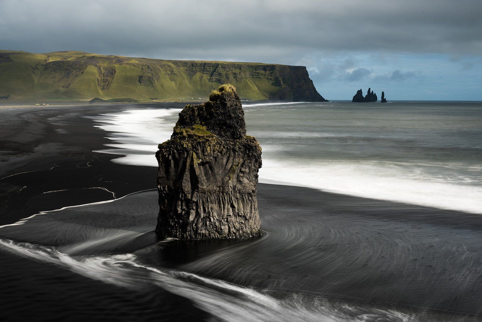 "Places of Earth on Twitter: ""Black sand beaches in Iceland 🌋 https://t.co/Jm7vowVlFV"""