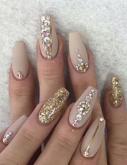 Bright Like Glitter Bubbly Champagne Nail Designs