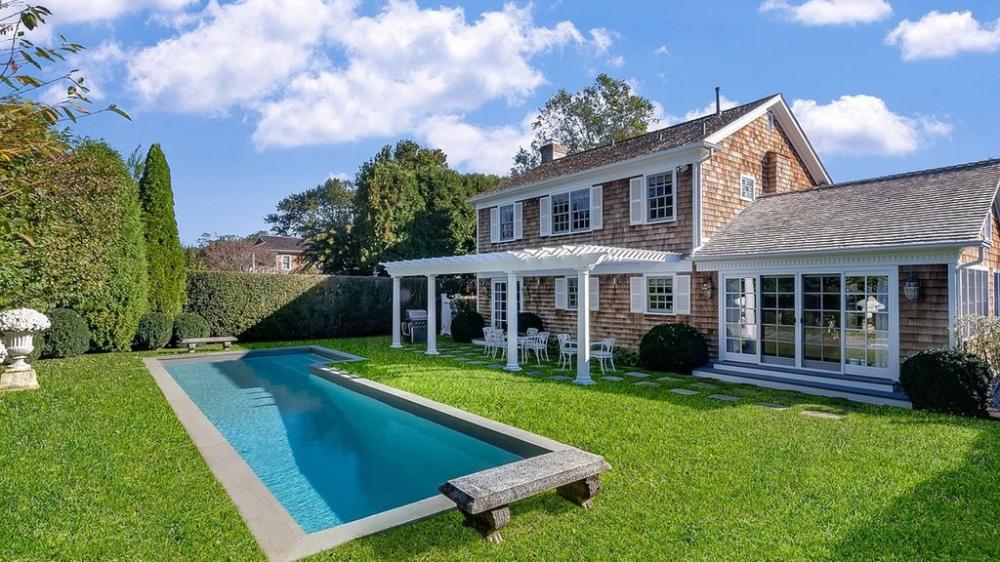 4br    3 Ba Elegant Cottage W   Landscaped Yard  Pool  Walk To Village  Night