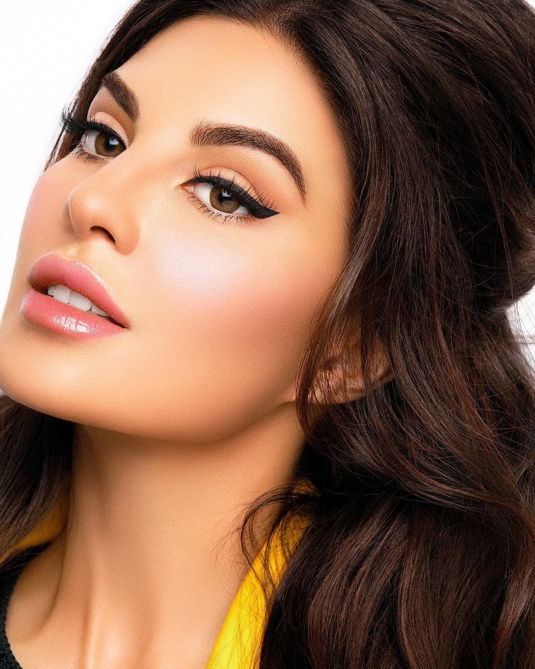 Nora Bo Awadh On Instagram My Makeup 70 S Makeup Look