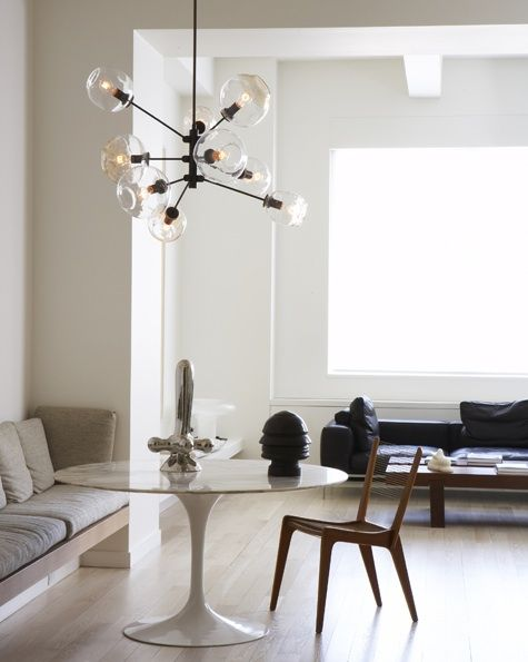 I love everything about this space, especially the bench and Lindsey Adelman's pendant