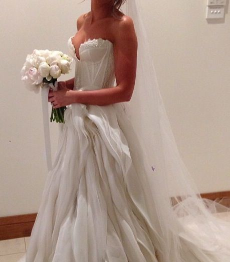 J\'aton Wedding Dress | Wedding Dresses | Pinterest | Wedding dress ...
