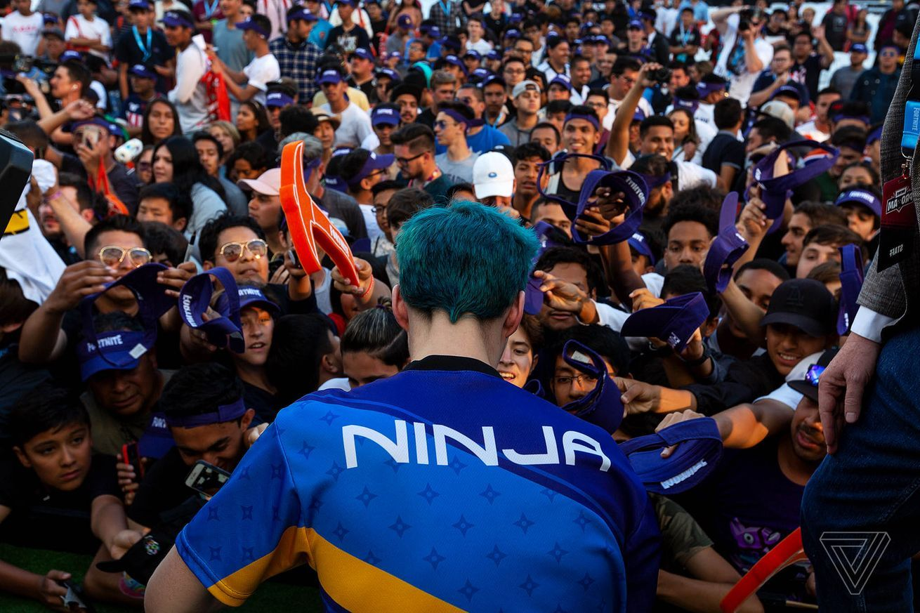 Fortnite Star Ninja Is Getting His Own 12 Hour New Years Eve Broadcast In Times Square Fortnite Graphic Novel Twitch
