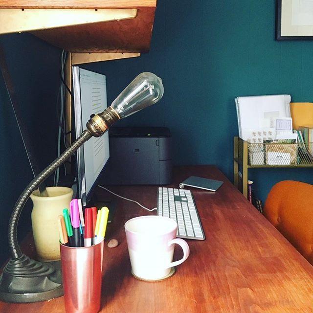For this week's #WritersRoutine we've got Xhenet Aliu ...