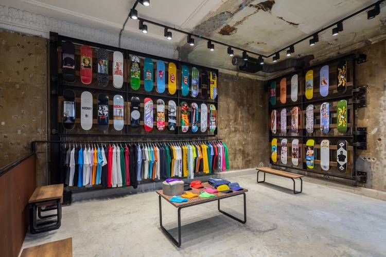 A First Look Inside Gosha Rubchinskiy S Oktyabr Store In Moscow Store Design Interior Shop Interiors Skate Store