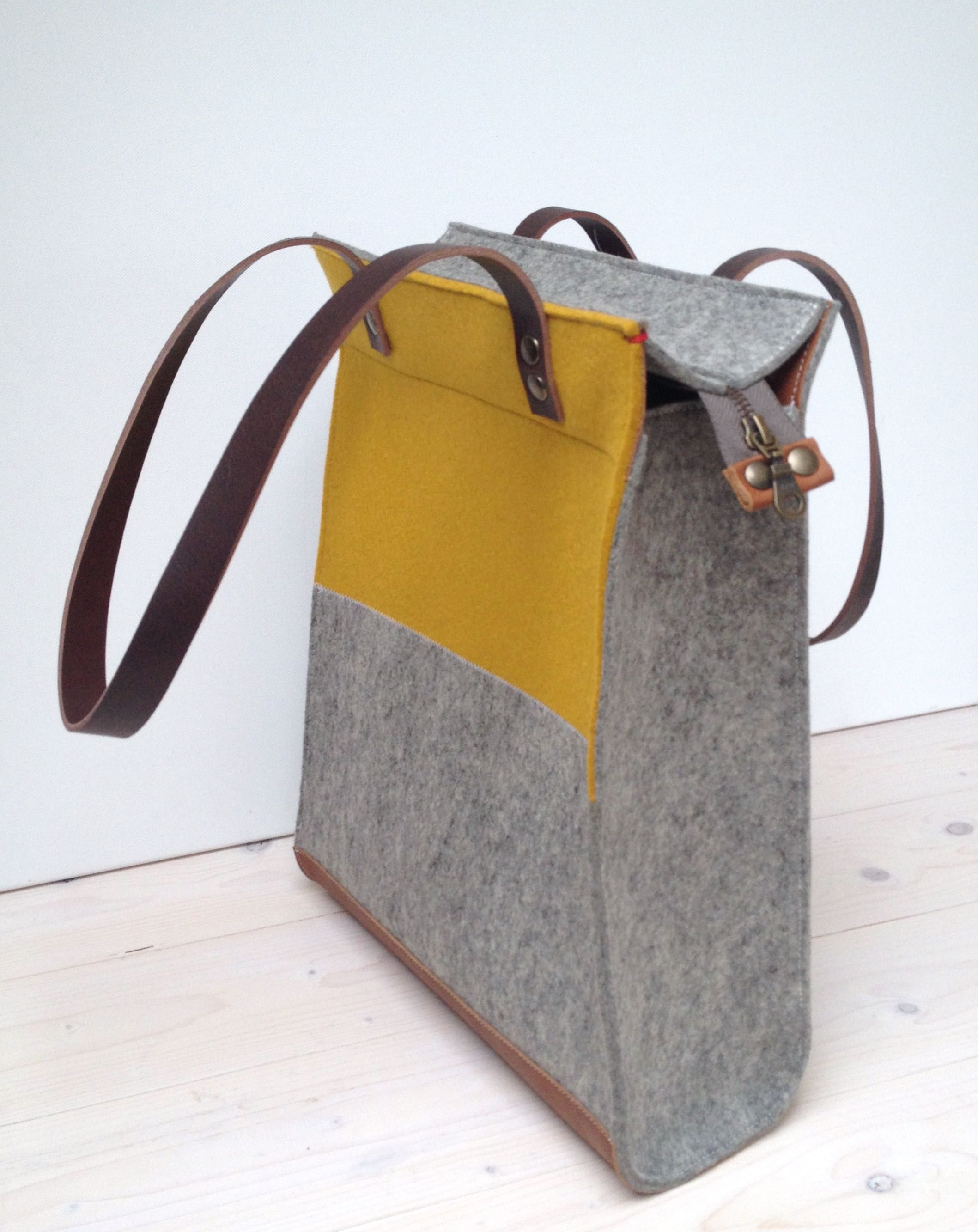FELT TOTE XL shopper bag with zipper grey and retro yellow - leather ...
