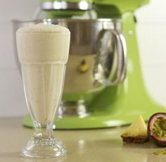 Pineapple and Passionfruit Smoothie #fiberfruits