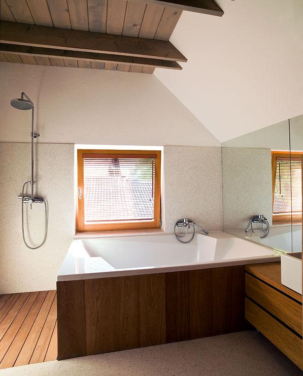 Pures Ferienhaus Mit Viel Holz Badezimmer Ohne Fliesen At