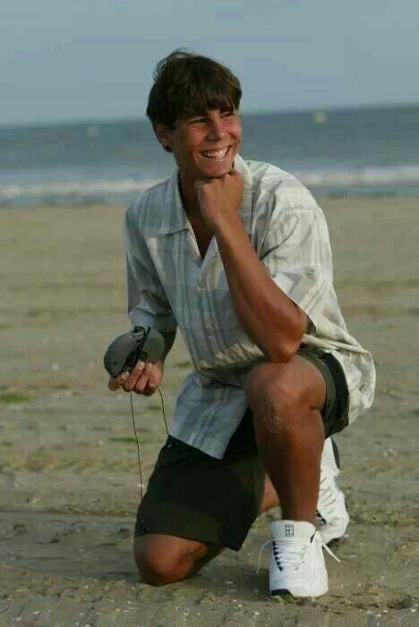 Awesome Picture Of Young Rafa Federer Tennis Personnalites Legende