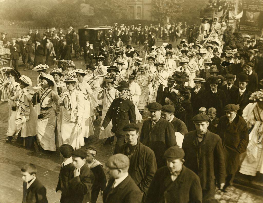 Processing Suffragettes C 1908 Suffragette Radical Women Women In History [ 789 x 1024 Pixel ]