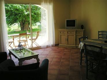 Gite in Zuid Frankrijk | Provence | Mooi ingerichte gite voor 4 personen met zwembad en prachtig uitzicht.