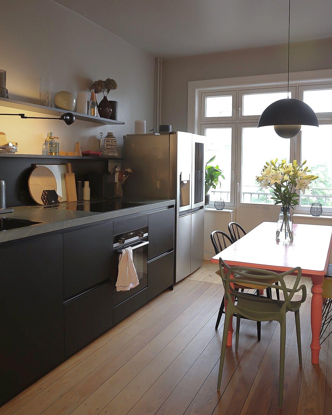 Ein Jahr Mit Der Neuen Kuche Ein Resumee Elbgestoeber Kuche Schwarz Schwarze Ikea Kuche Kuchen Planung