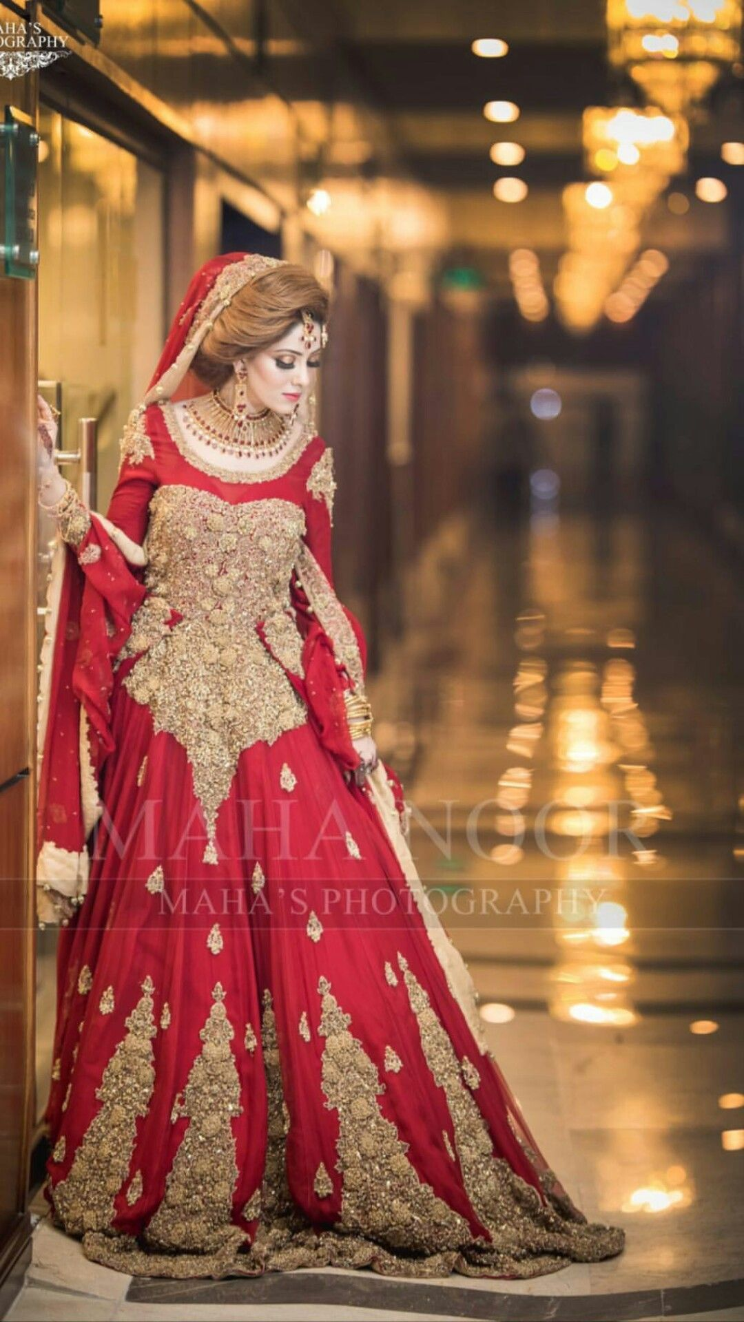 Pin By Arooj On Captivating Red Bridal Dress Pakistani Wedding Dresses Pakistani Bridal Dresses