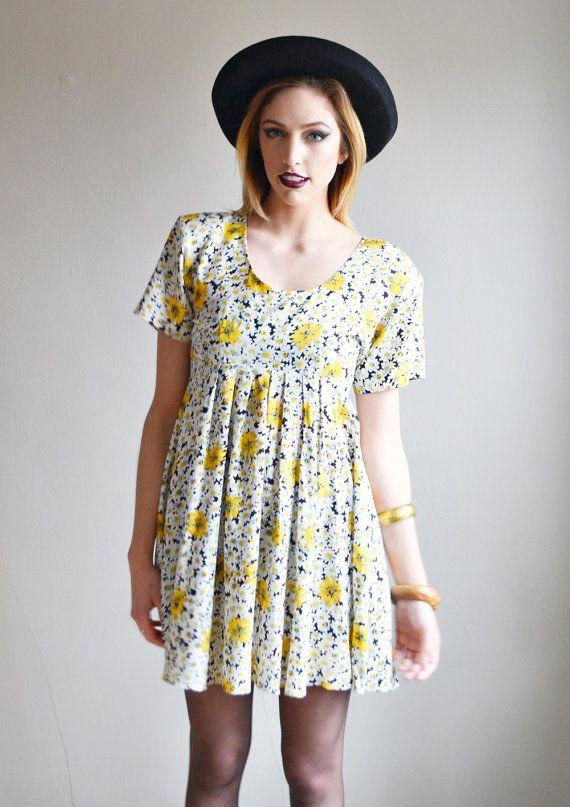 Vtg 90s floral DAISY print grunge revial mini dress    silky short ... fca940a03