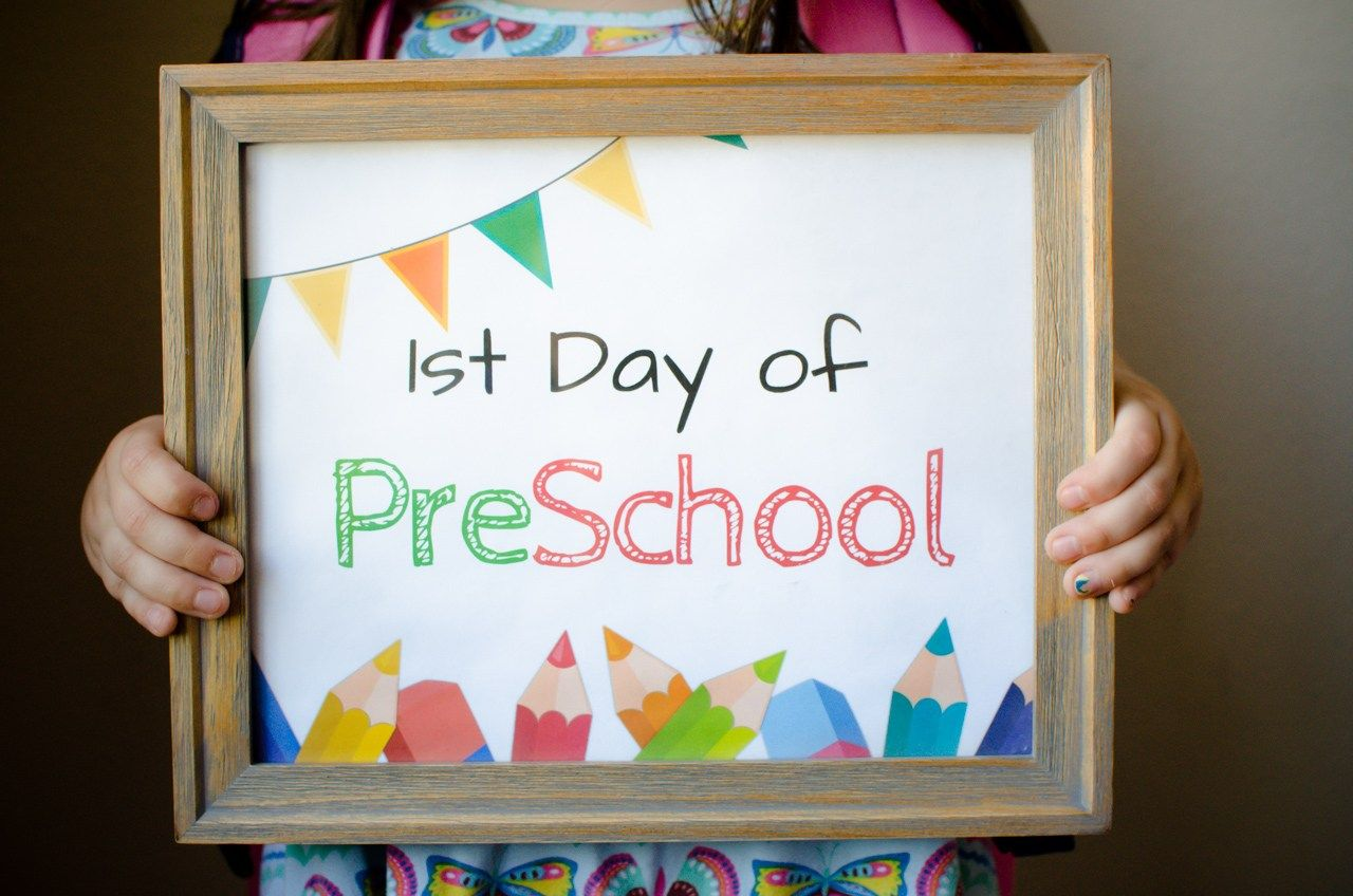 FREE First Day of School Sign Printables - For Grade School make the first day of school activities a day to remember. #firstdayofschoolsign
