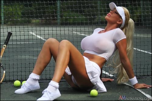 Tania amazon tennis court