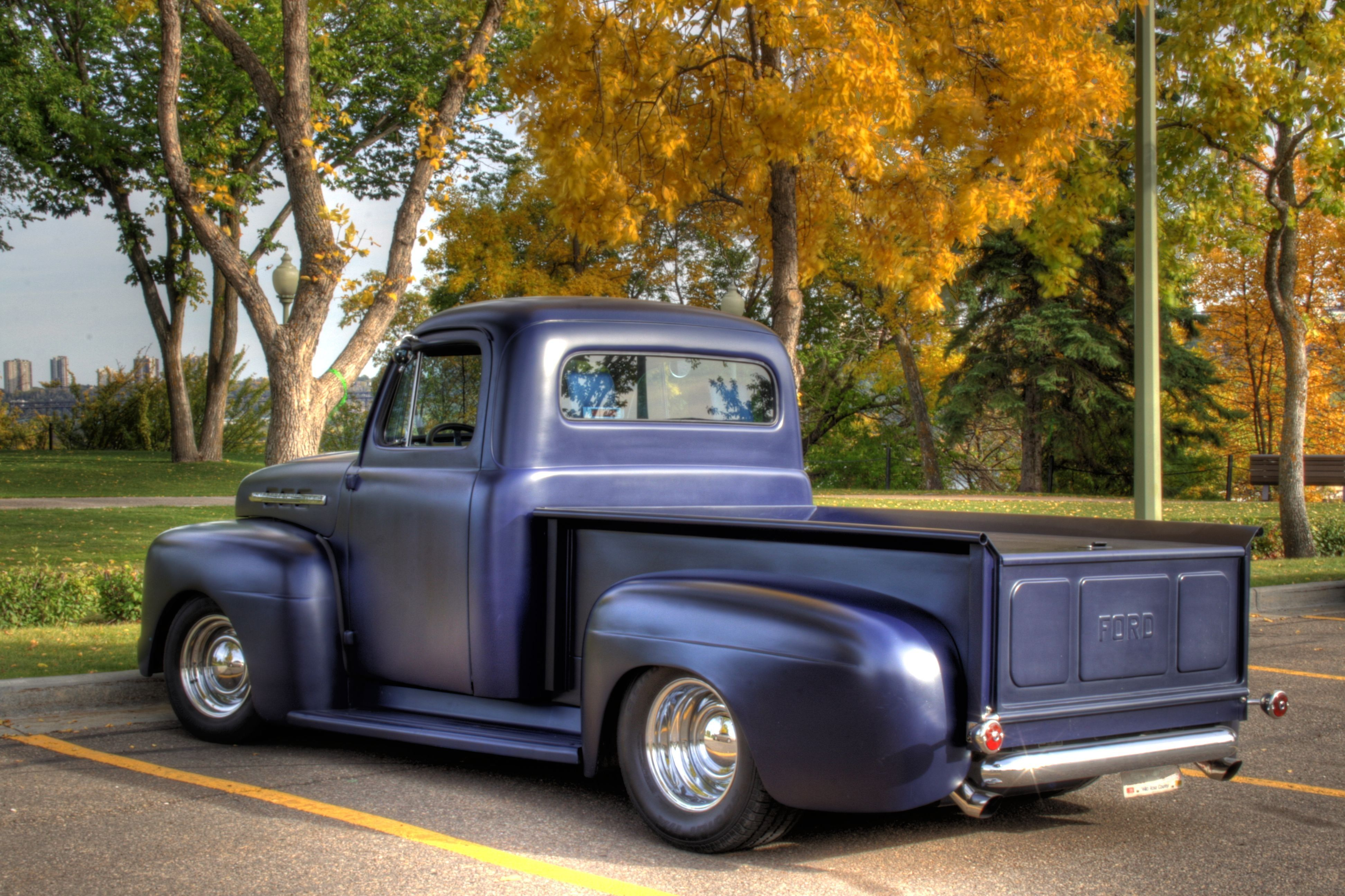 51 Ford this is what I want my drive ride height to be.   \'51/\'52 ...