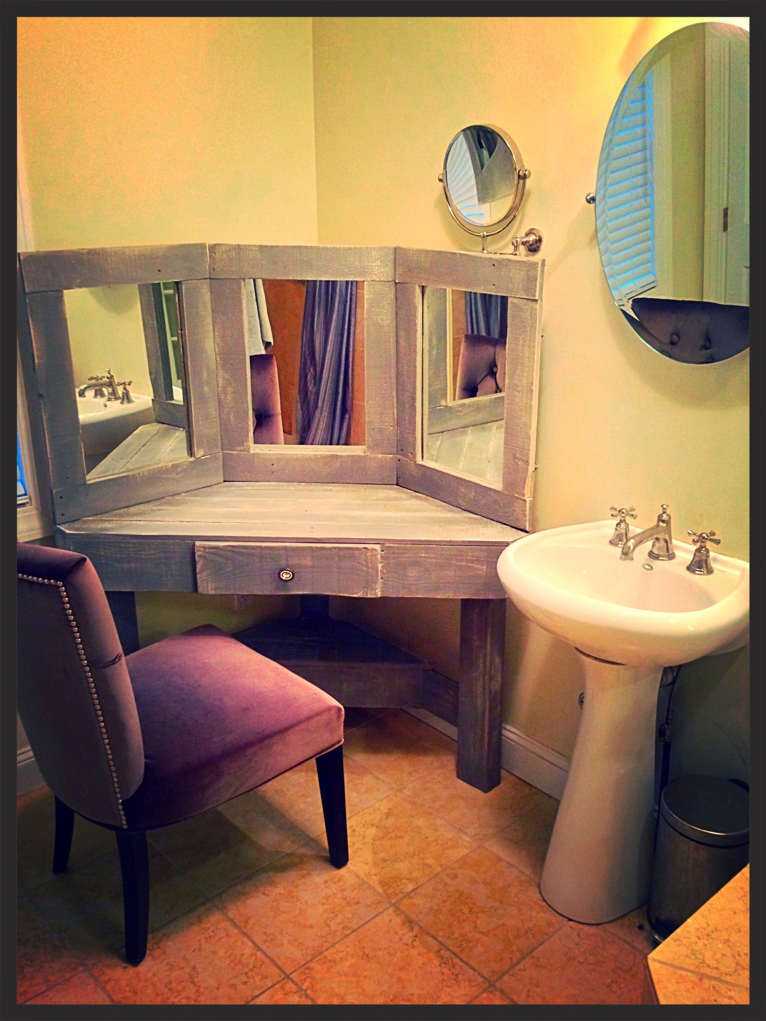 DIY Pallet Wood Distressed Gray Corner Makeup Vanity With Mirrors
